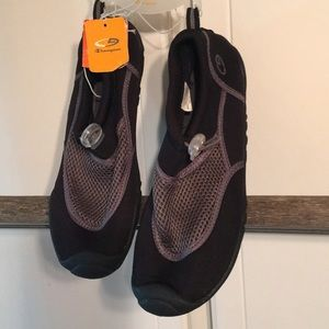 Champion boys water shoes NWT size 6